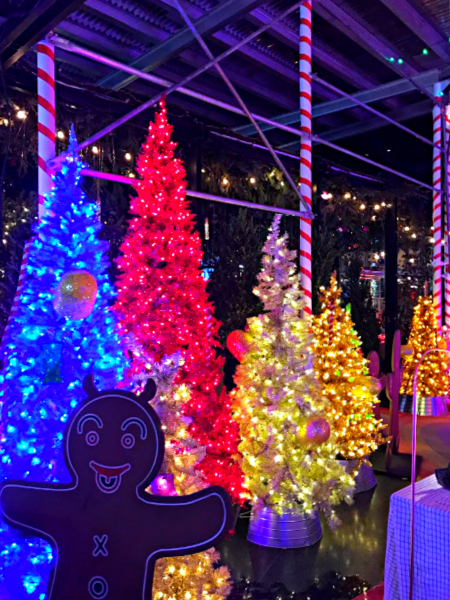 The Cheeriest Holiday Decorations at New York City Hotels, 2018 Edition - Overnight New York